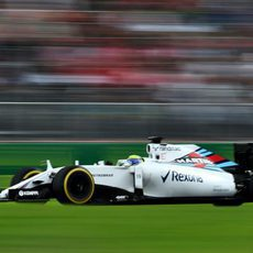Felipe Massa exprimer los neumáticos blandos