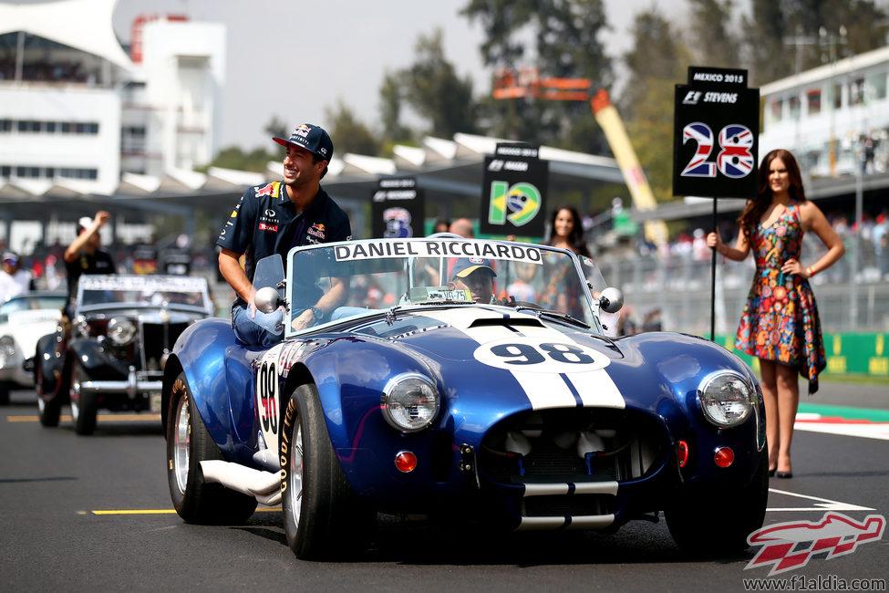 Daniel Ricciardo en el drivers parade