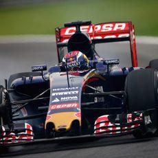 Max Verstappen rodando en Interlagos