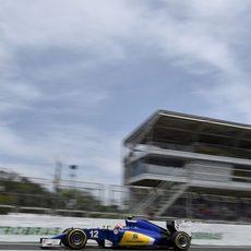 Felipe Nasr es penalizado con 3 posiciones