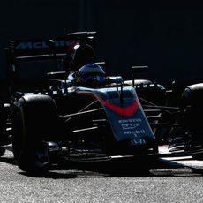 Fernando Alonso rueda con el compuesto blando