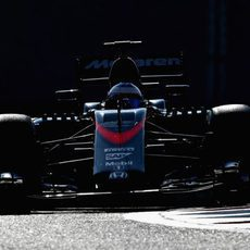 Fernando Alonso exprime su MP4-30