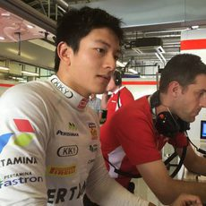 Rio Haryanto completa casi 60 vueltas para Manor