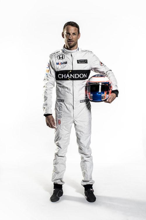 Jenson Button con mono y casco para 2016