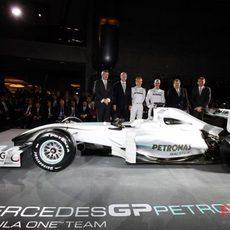 Equipo Mercedes al completo
