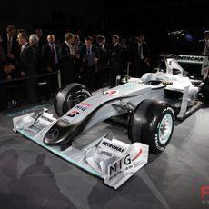 Nuevos colores para el monoplaza de Mercedes