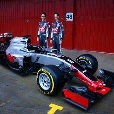 Gutiérrez y Grosjean junto al VF16