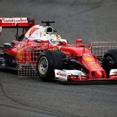 Sebastan Vettel estrena el SF16