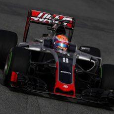 Romain Grosjean prueba su nuevo monoplaza
