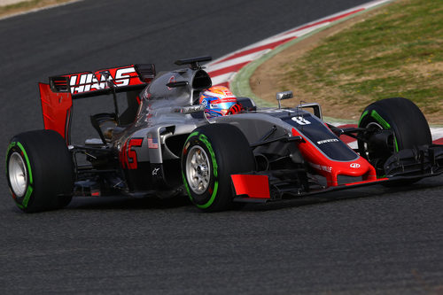 Romain Grosjean causaba una bandera roja después de que se le desprendiese el alerón