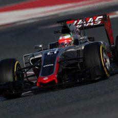 Haas tiene problemas en su alerón delantero