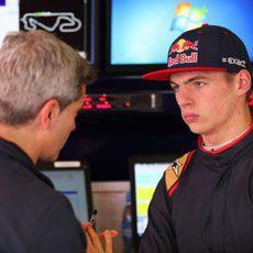 Max Verstappen junto a Xevi Pujolar