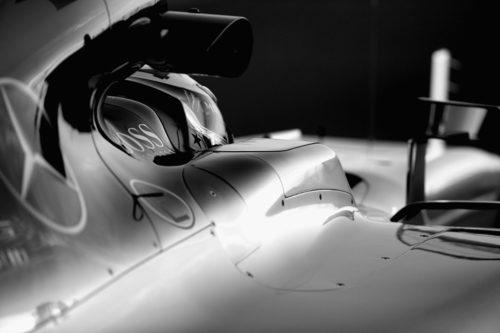Detalle en el coche de Lewis Hamilton