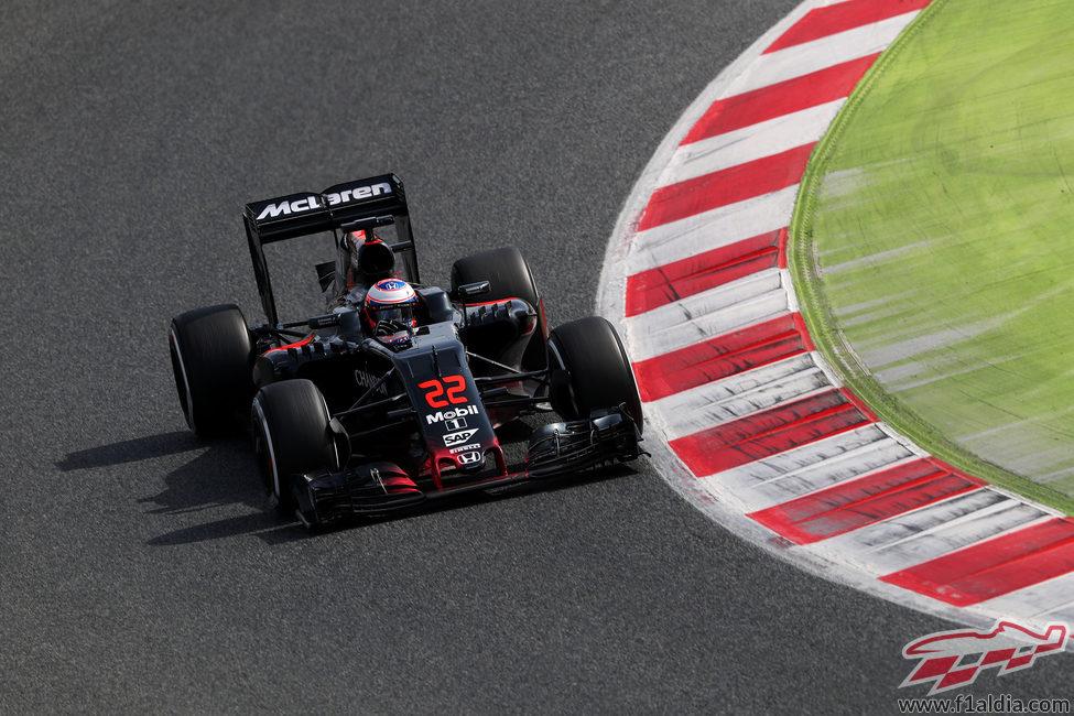 Jenson Button ha perdido parte de la tarde por una fuga hidráulica