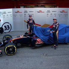 Los pilotos de Toro Rosso destapan el STR11