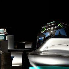 Nico Rosberg concentrado ante una nueva mañana de test