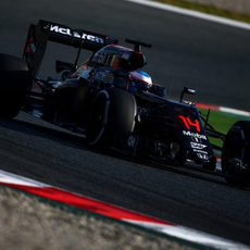 Fernando Alonso exprime su MP4-31