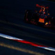 Red Bull aprovecha las últimas horas de sol en Montmeló