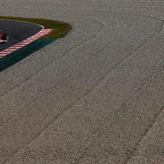 Sebastian Vettel rueda con el neumático medio