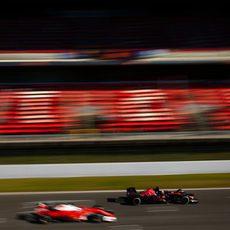 Sebastian Vettel adelanta al STR11