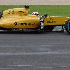 Kevin Magnussen rueda con el RS16