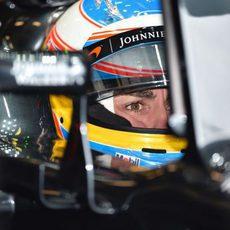 Fernando Alonso en su nuevo McLaren