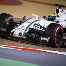 Felipe Massa acaba el viernes muy contento con el rendimiento