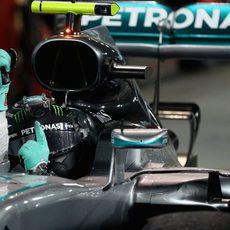 Nico Rosberg, eufórico dentro del coche