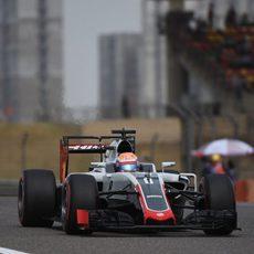 Romain Grosjean rodando en el GP de China