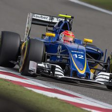Felipe Nasr rueda con el neumático blando