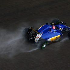 Felipe Nasr rueda con intermedios