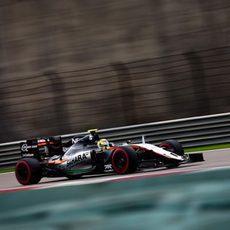 Sergio Pérez se clasifica para la Q3 con superblandos