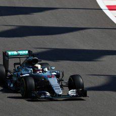 Lewis Hamilton empieza con las tandas largas