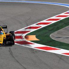 Jolyon Palmer rueda con neumáticos superblandos