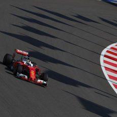 Sebastian Vettel rueda rápido con superblandos
