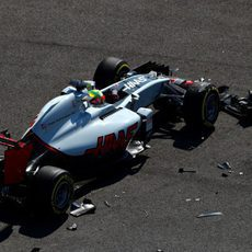 Más destrozos en el coche de Esteban Gutiérrez