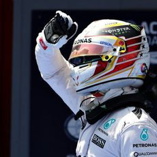Inmensa alegría de Lewis Hamilton al lograr la pole en Barcelona