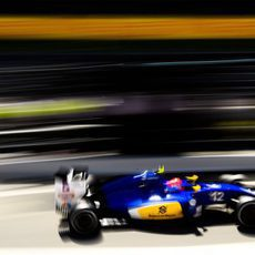 Felipe Nasr sale con neumáticos medios