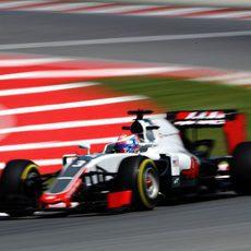 Romain Grosjean clasifica en 14ª posición