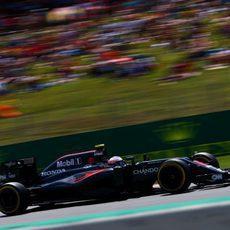 Jenson Button no pudo entrar a la Q3