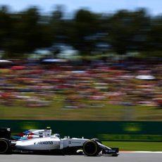 Valtteri Bottas rueda con neumáticos blandos
