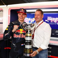 Max Verstappen junto a su padre, Jos