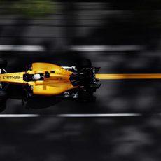 Kevin Magnussen prueba las mejoras de Renault