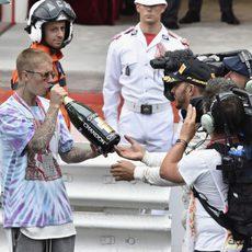 Justin Bieber quiere probar el champán del ganador