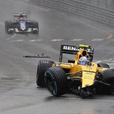 Jolyon Palmer abandona en Mónaco