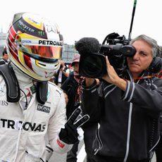 Lewis Hamilton suma la segunda pole del año