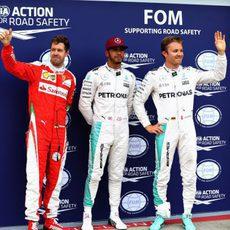 Pole de Hamilton con Rosberg y Vettel por detrás