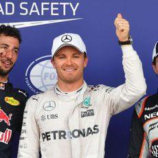 Rosberg, Ricciardo y Pérez vuelan en Bakú