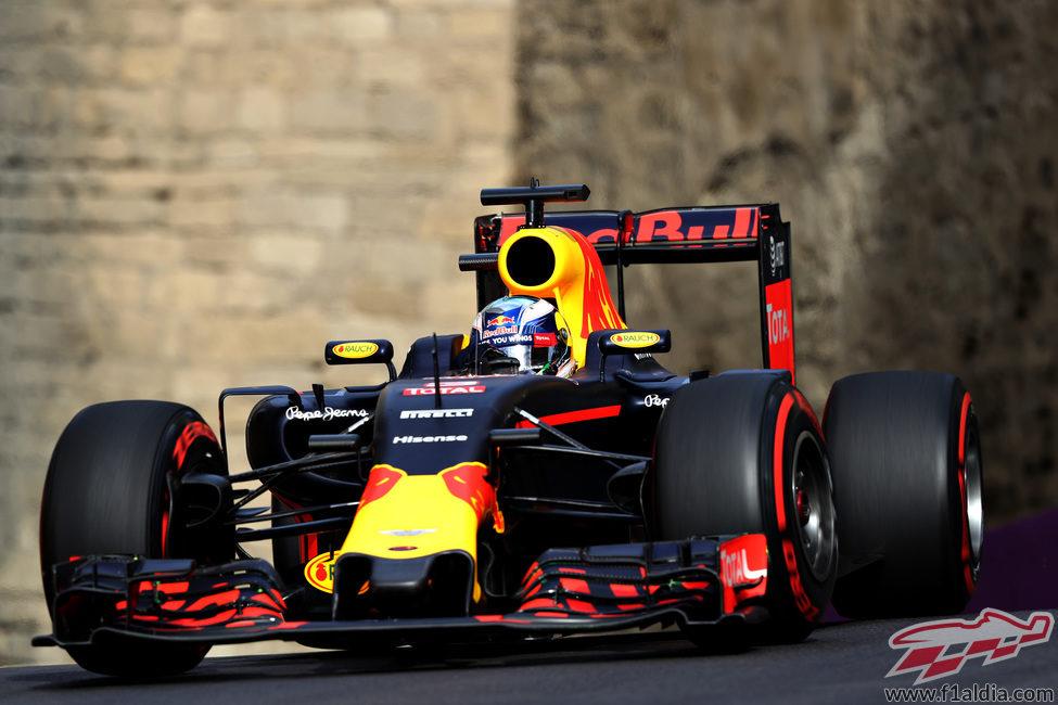 Buena vuelta en Bakú de Daniel Ricciardo