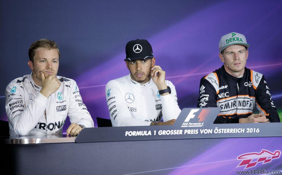 Hamilton, Rosberg y Hülkenberg en la rueda de prensa